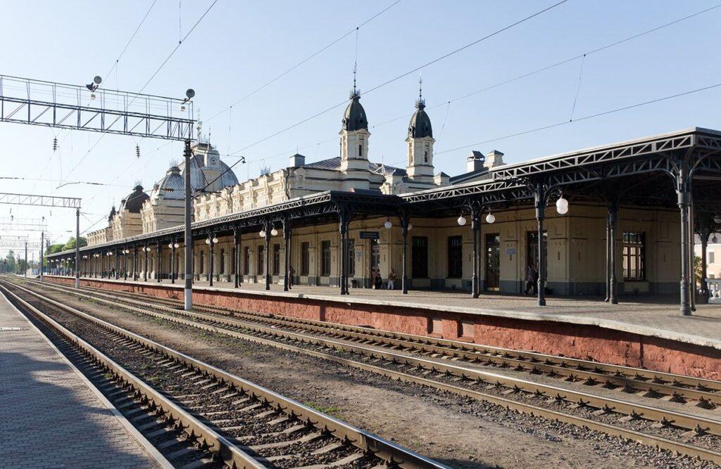 Жмеринка – узловая сортировочная станция Юго-Западной железной дороги, Жмеринка вокзал